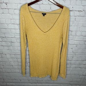 Torrid Size 1 Yellow Ribbed Long Sleeve V Neck Sweater